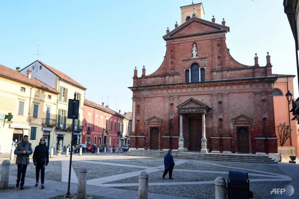 Hơn 10 thành phố tại miền bắc nước Ý đã được đặt trong tình trạng phong tỏa khi số ca nhiễm COVID-19 tiếp tục tăng nhanh.