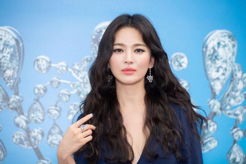 Hậu ly hôn, Song Hye Kyo ngày càng trẻ trụng và xinh đẹp.