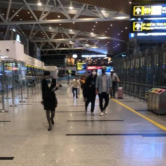 Khách Hàn Quốc đang di chuyển ra sân bay Đà Nẵng