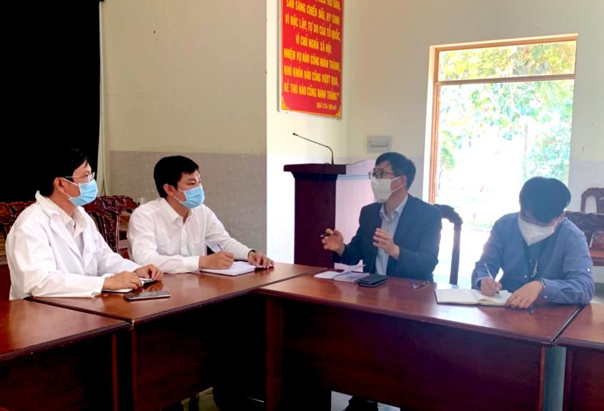 Đại diện Lãnh sự quán Hàn Quốc đến tìm hiểu đời sống tại Bệnh viện Dã chiến TP.HCM