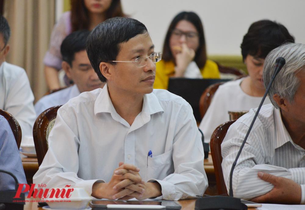 PGS.TS Phan Trọng Lân - Viện trưởng Viện Pasteur TP.HCM tại cuộc họp Ban chỉ đạo phòng chống dịch bệnh thành phố chiều 25/2