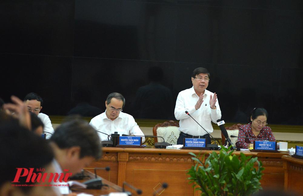 Chủ tịch UBND TP.HCM Nguyễn Thành Phong tại cuộc họp Ban chỉ đạo phòng chống dịch bệnh TP.HCM chiều 25/2