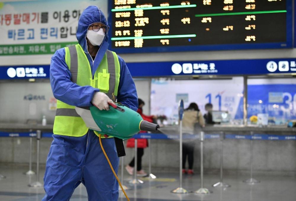 Nhiều quốc gia đã đưa ra lệnh cấm nhập cảnh đối với du khách từng đến Daegu và quận Cheongdo trong vòng hai tuần gần nhất để phòng dịch.