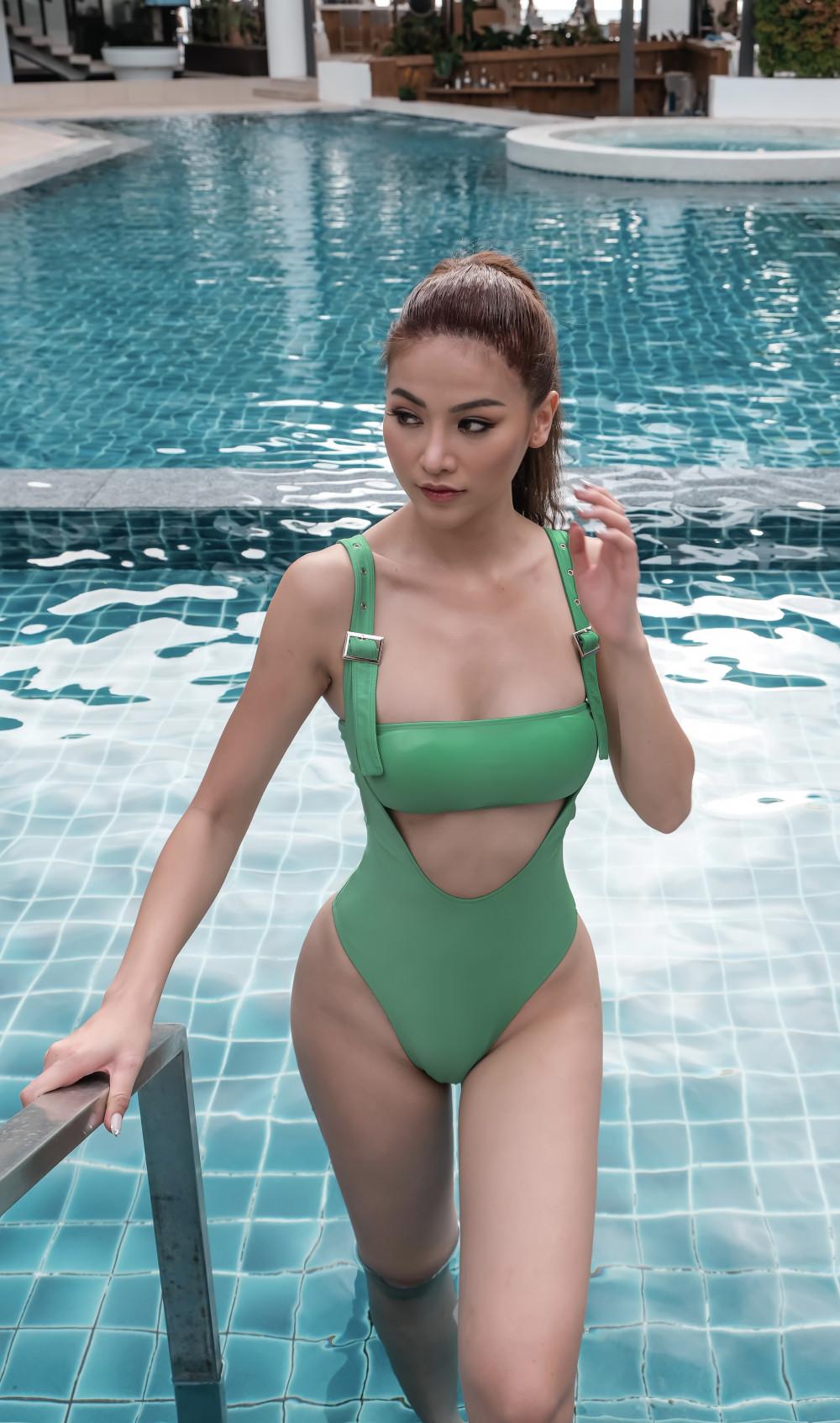 Sau đăng quang Hoa hậu Trái Đất 2018, Phương Khánh luôn chú trọng về mặt hình ảnh mỗi lần xuất hiện trước công chúng.
