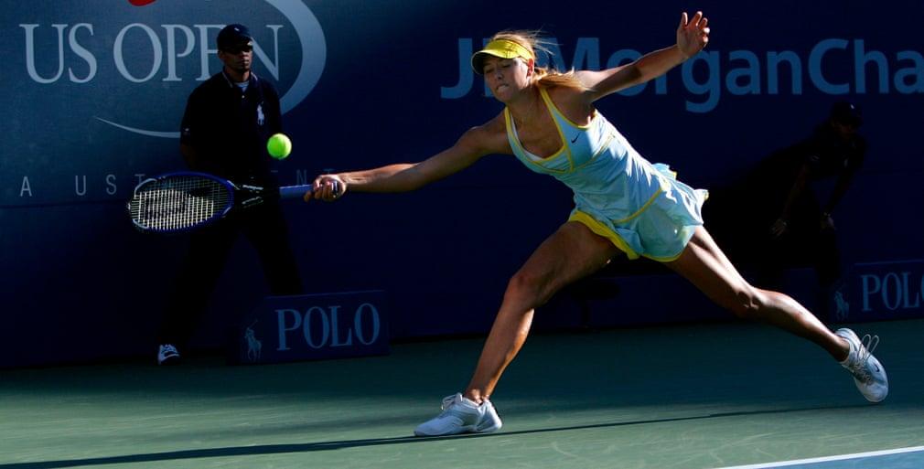 Vào tháng 8/2005 Sharapova trở thành người phụ nữ Nga đầu tiên giữ thứ hạng số 1 thế giới.