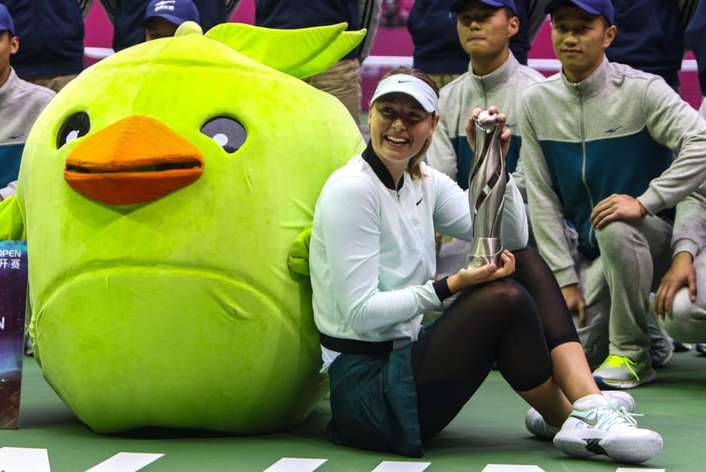Sharapova chấp nhận vai trò khách mời tham gia giải quần vợt Thiên Tân mở rộng, lần đầu tiên cô xuất hiện tại giải đấu. Sharapova tiếp tục chiến thắng giải đấu, đánh dấu danh hiệu WTA đầu tiên của cô kể từ năm 2015. Kết quả giúp cô leo lên thứ hạng trong top 60.