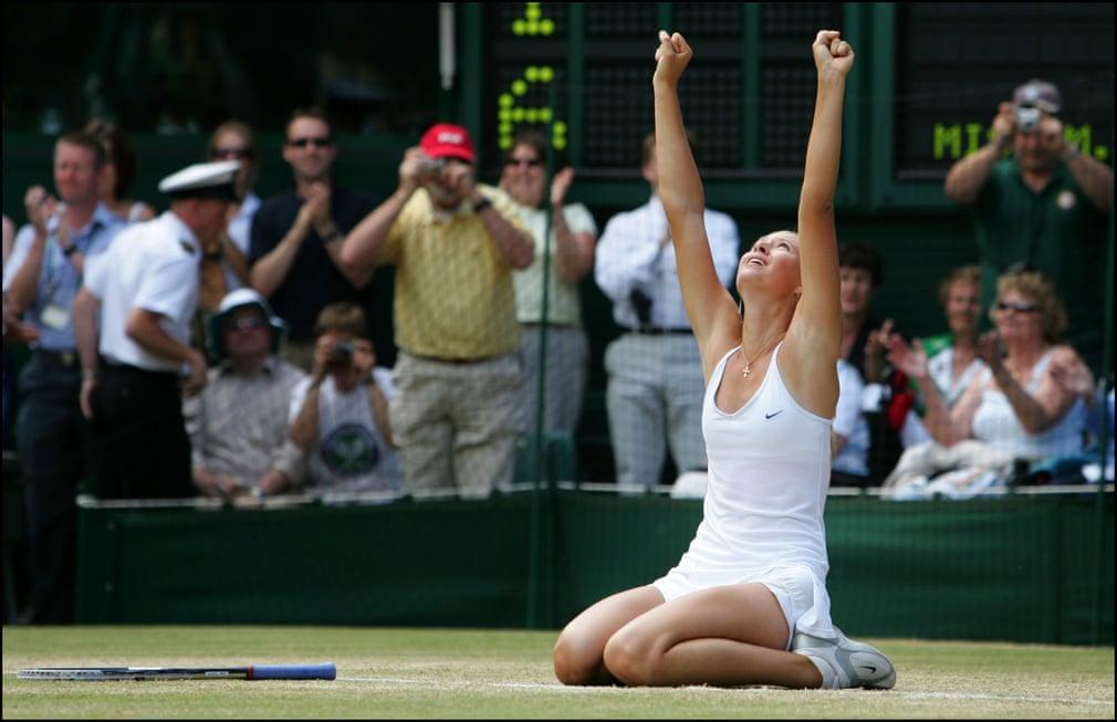 Năm 2004 Sharapova đánh bại Serena Williams trong trận chung kết Wimbledon, trở thành một ngôi sao.