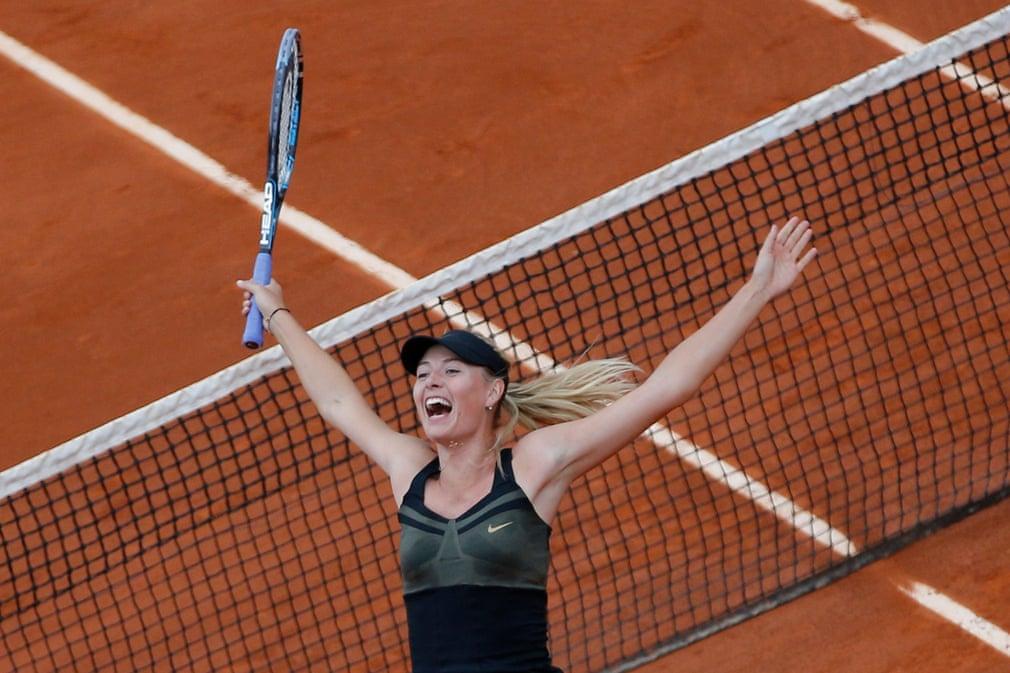 Năm 2012 Sharapova lọt vào trận chung kết Pháp mở rộng, giành lại thứ hạng số 1 thế giới. Trong trận chung kết, cô đã đánh bại Sara Errani để đạt danh hiệu Pháp mở rộng đầu tiên của mình và trở thành người phụ nữ thứ 10 hoàn thành bộ sưu tập grand slam.