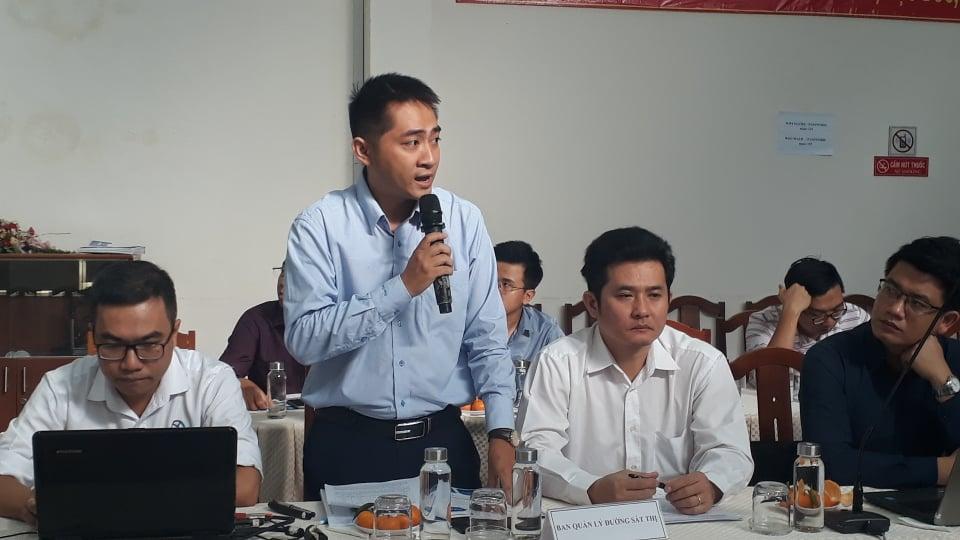 Ông Nguyễn Bùi Hoàng Quân thông tin tiến độ dự án tuyến metro số một tại cuộc giám sát của Hội đồng nhân dân TP.HCM sáng 27/2