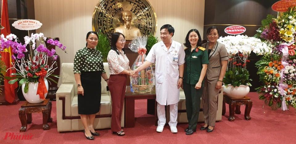 thăm và chúc mừng Ngày Thầy thuốc Việt Nam Bệnh Bệnh viện Quân y 175