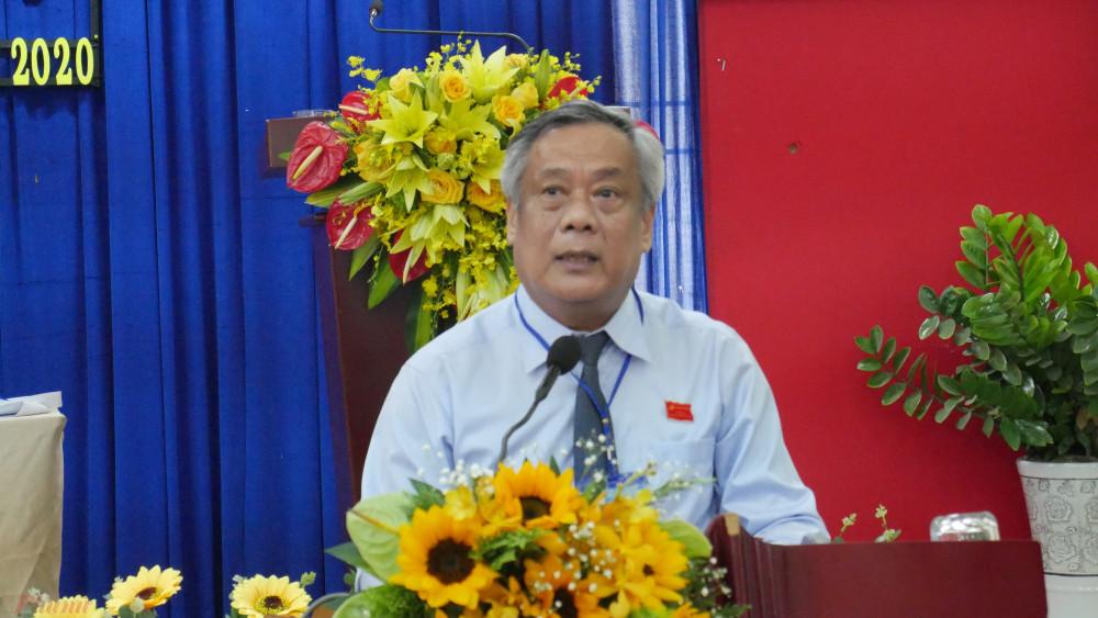 Ông Nguyễn Thành Chung - Bí thư quận ủy quận Tân Phú ghi nhận và biểu dương những kết quả của Đảng ủy Phường Hiệp Tân.