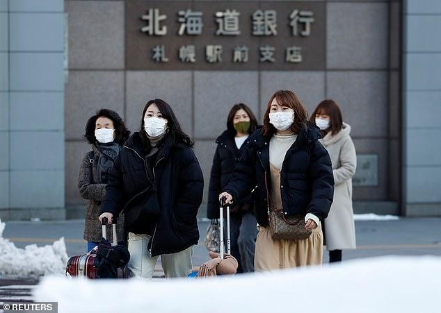 Nỗi lo về COVID-19 bao trùm hòn đảo phía bắc Nhật Bản khi số ca nhiễm tại đây đã vuợt qua con số 60.