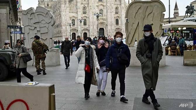 Tại thủ đô Milan, dường như người dân bản địa vẫn khá thờ ơ với việc đề phòng dịch bệnh.