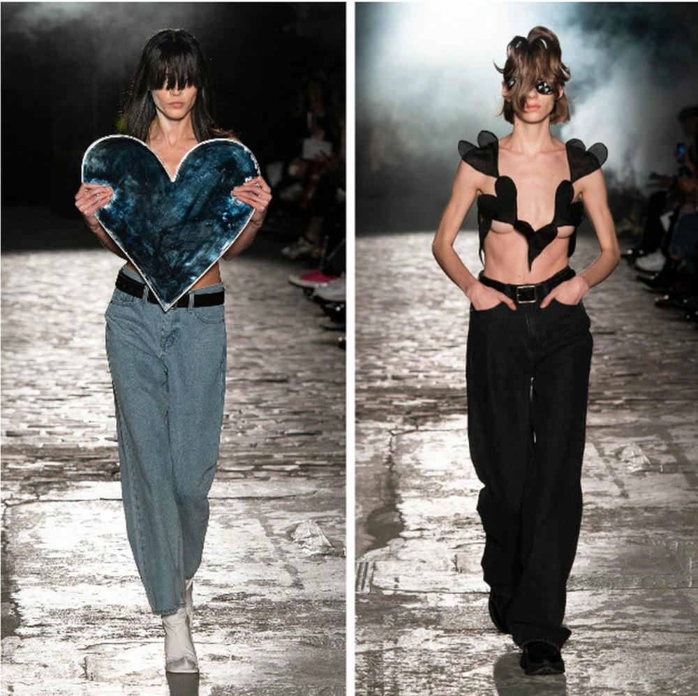 Nhà thiết kế Kimhekim tiếp tục trình làng những trang phục táo bạo, ý tưởng kì dị gây bất ngờ cho giới mộ điệu thế giới tại Paris Fashion Week 2020. Nhiều khán giả đánh giá những bộ cánh của Kimhekim khó sử dụng trong thực tế. Trước đó, nhà mốt cũng từng gây sốc với hình ảnh các người mẫu vừa sải bước vừa truyền nước biển mở màn bộ sưu tập Xuân - Hè 2020.