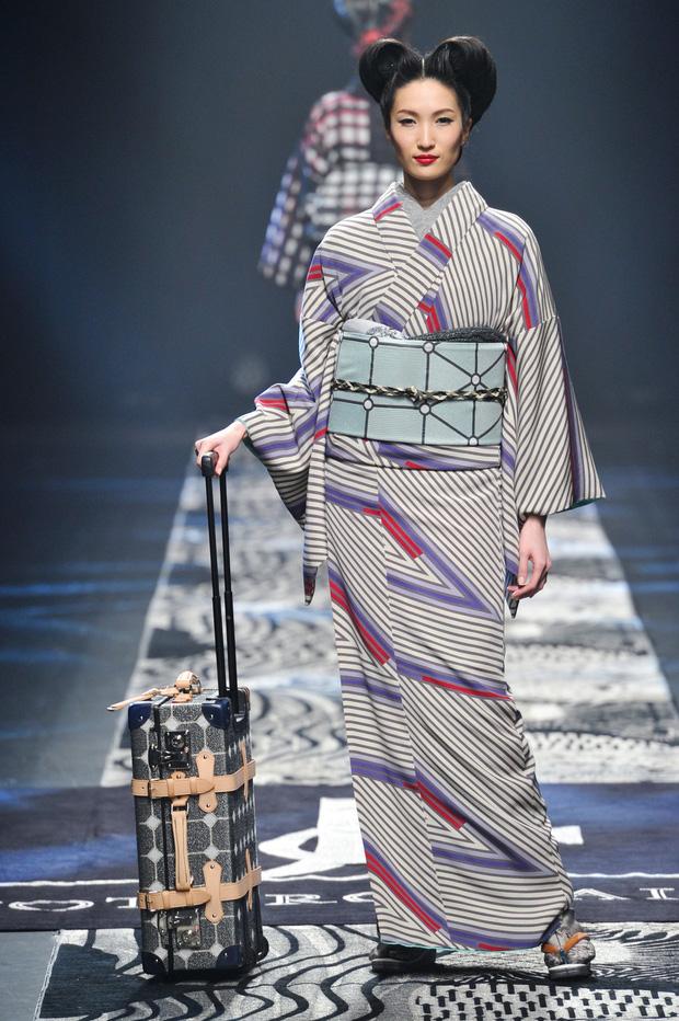 Nhiều sự kiện của làng thời trang thế giới ảnh hưởng nghiêm trọng trước diễn biến phức  tạp của dịch bệnh.