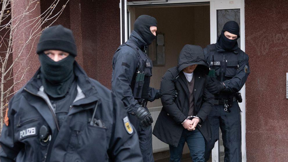 Hơn 700 cảnh sát tham gia chiến dịch triệt phá đường dây buôn người từ Việt Nam ở Đức