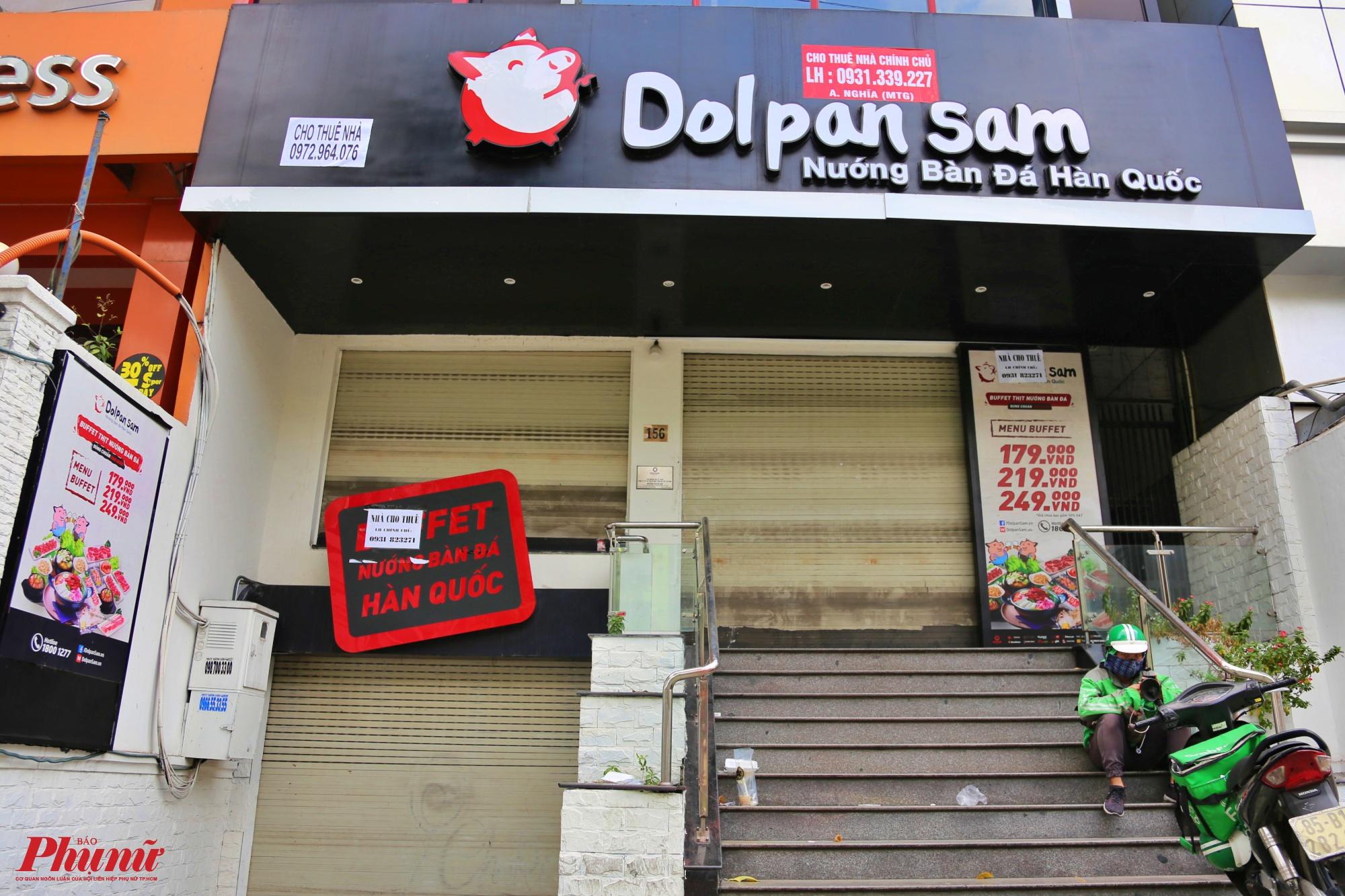 Tiệm ẩm thực Hàn Quốc đã đóng cửa và treo biển cho thuê nhà