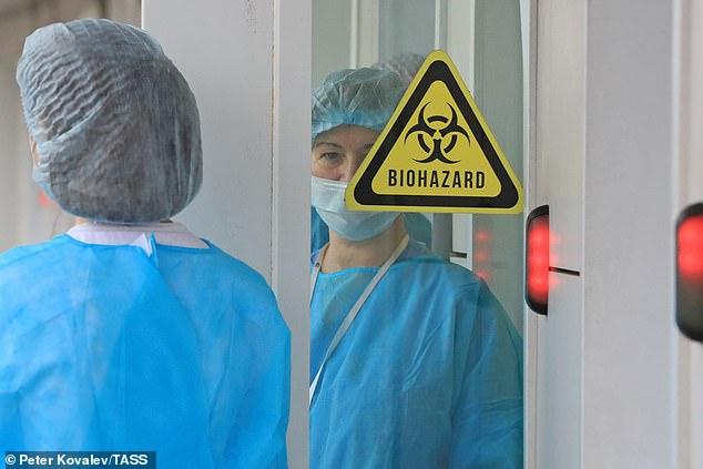 Các nhà khoa học ở Bắc Kinh và Thượng Hải cho biết 'các biện pháp can thiệp của con người' có thể đã ngăn chặn chủng vi-rút SARS-CoV-2 nguy hiểm nhất.