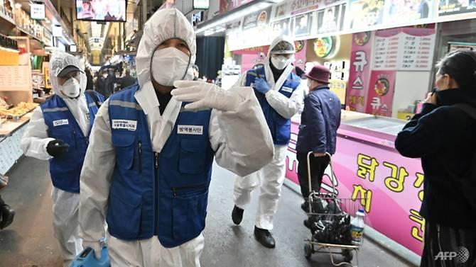 Hàn Quốc đang gặp khó khăn về chống dịch và ngoại giao khi ngày càng nhiều quốc gia cấm du khách từ Hàn Quốc.