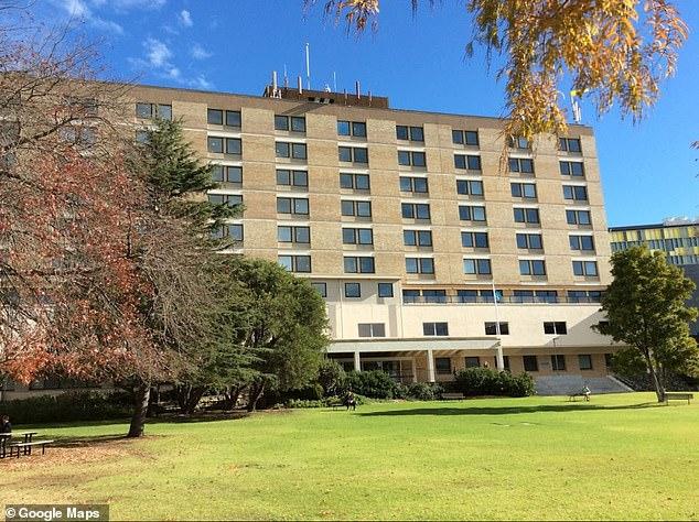 Trung tâm thai sản tại Bệnh viện Sydney Adventist Hospital ở Wagroonga đã bị phong tỏa vào thứ Sáu 6/3.