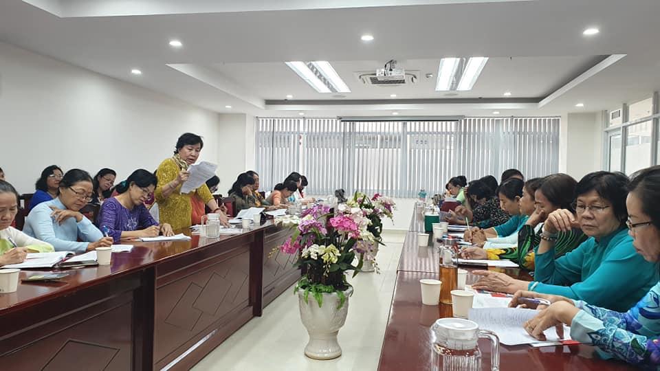 Các chị cũng đề xuất công khai số liệu về những đảng viên vi phạm trong nhiệm kỳ qua.