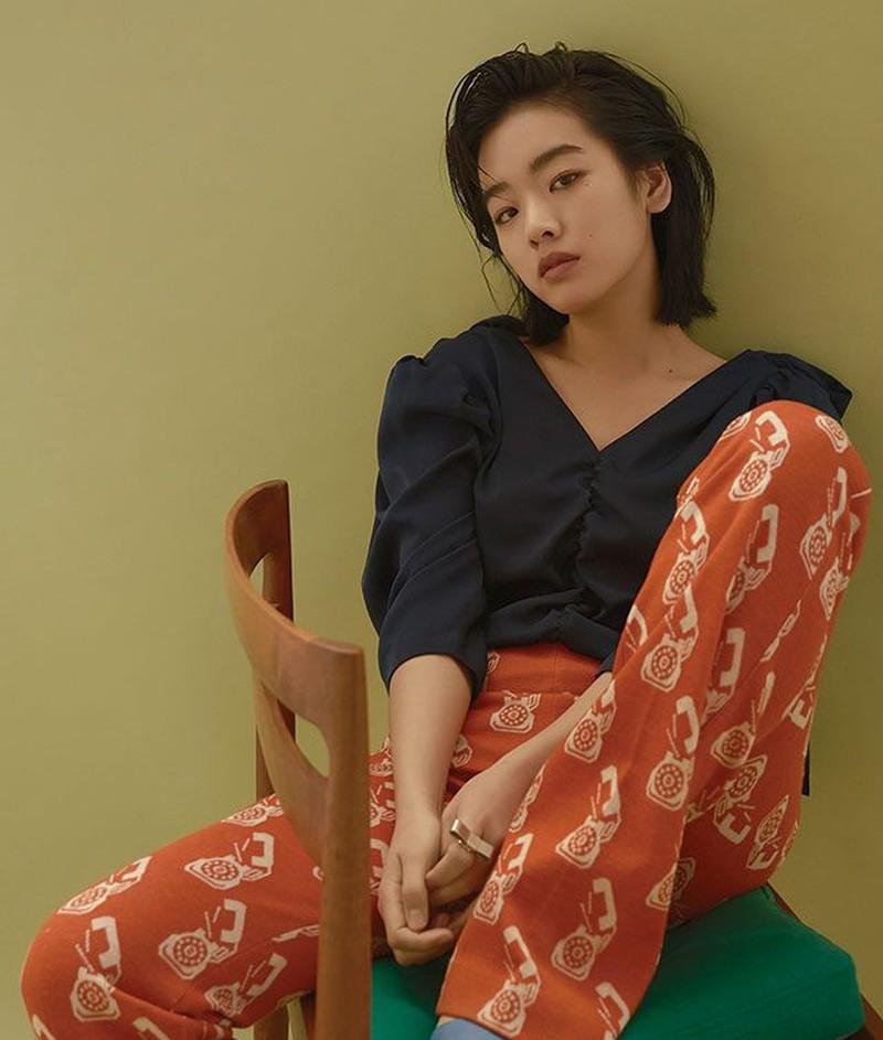 Không có gì khó hiểu khi Lee Joo Young liên tục được các tạp chí săn đón phải không nào?