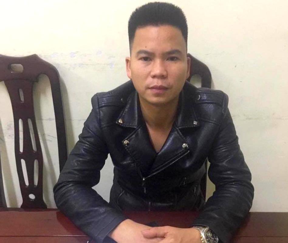 Nguyễn Văn Phương tại cơ quan công an - Ảnh H.Thương