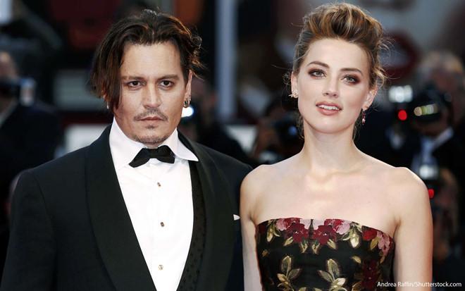 Johnny Depp và vợ thời còn mặn nồng.