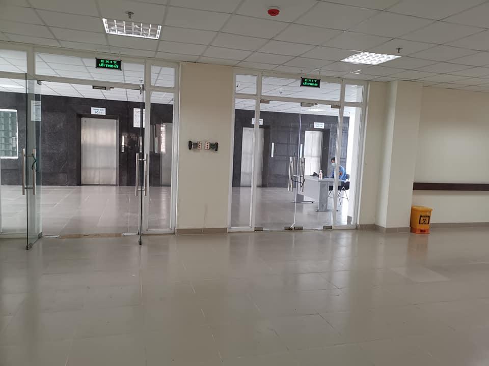 Hành lang bệnh viện Bệnh nhiệt đới Trung ương 2