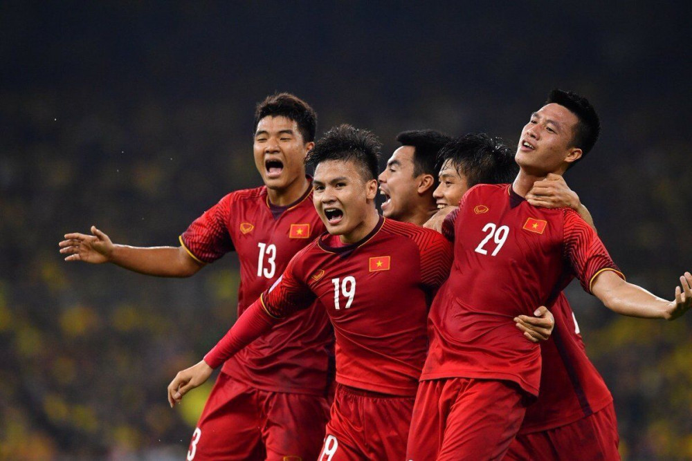 Sau 5 trận tại vòng loại World Cup 2022, tuyển Việt Nam giữ thành tích bất bại, đang có 11 điểm, đứng đầu bảng G, hơn Malaysia 2 điểm, hơn Thái Lan 3 điểm.