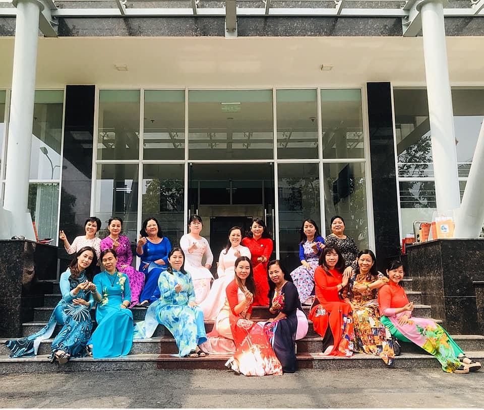 Cán bộ Hội phụ nữ quận 6 trong buối phát động hưởng ứng tuần lễ áo dài