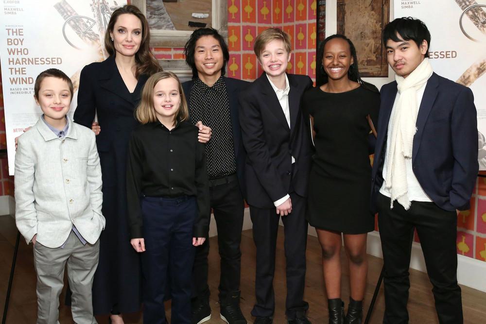 Dù không ở cạnh nhau nhưng Brad Pitt và Angelina Jolie đều thực hiện trách nhiệm với con cái.