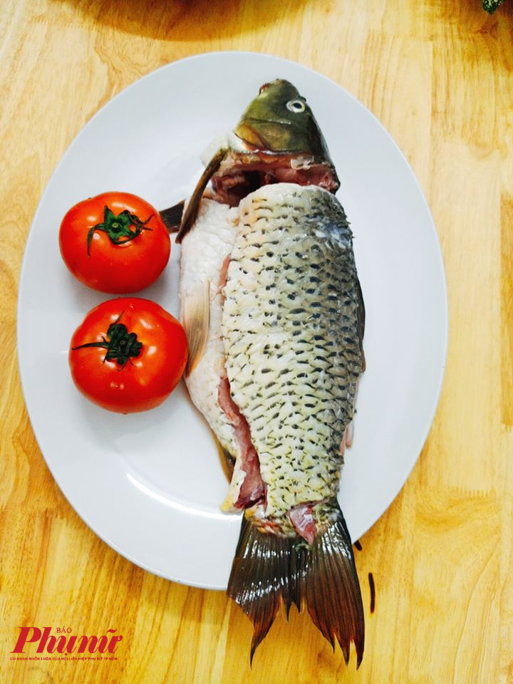 Cá chép giòn ngon đạt chuẩn khi có trọng lượng từ 2-3kg/con.