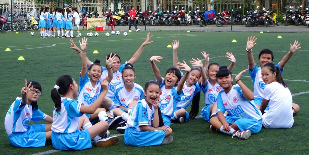 """Goal là sáng kiến hàng đầu về giáo dục và là một phần trong dự án """"Kiến tạo tương lai"""" (FutureMakers) của Ngân hàng Standard Chartered, với mục tiêu xóa bỏ sự bất bình đẳng và thúc đẩy người trẻ đóng góp vào quá trình phát triển kinh tế. (Ảnh do Ngân Hàng Standard Chartered Việt Nam cung cấp)"""