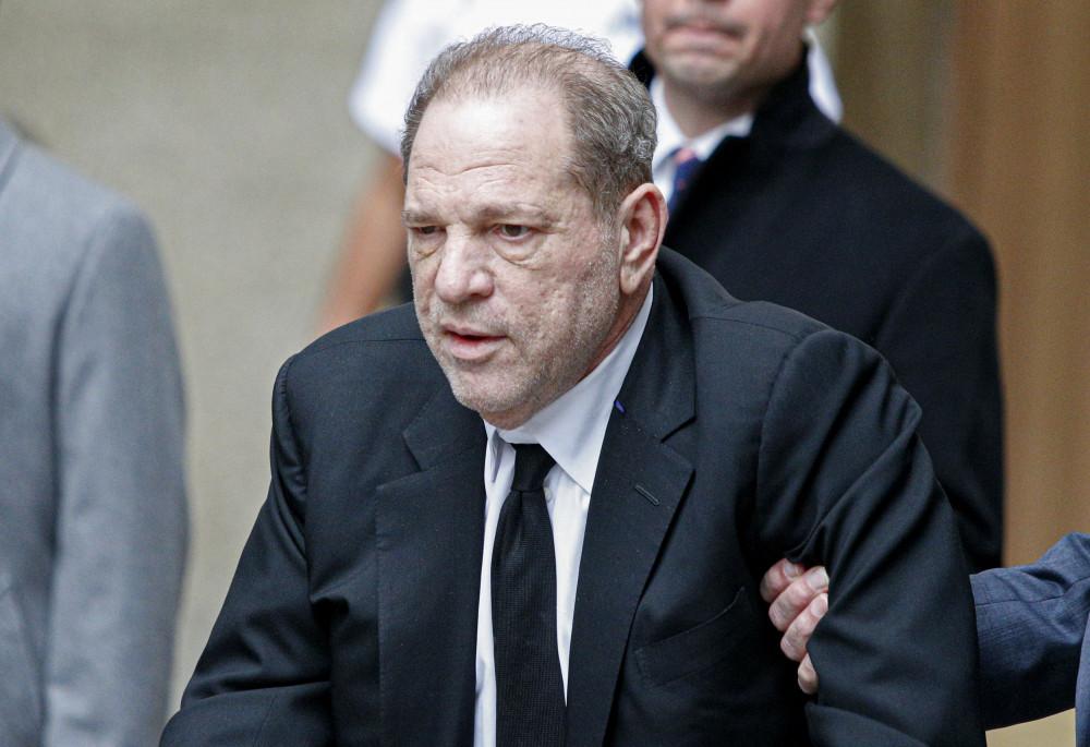 Harvey Weinstein hối hận về hành vi phạm tội của mình.