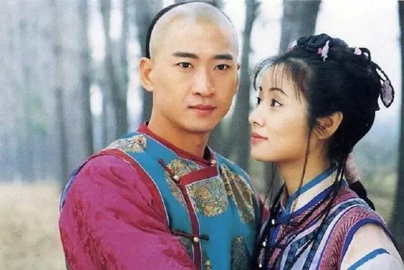Châu Kiệt trong vai Nhĩ Khang - phim Hoàn châu cách cách