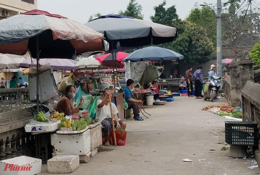 Ế ẩm là tình trạng chung của các chợ dân sinh