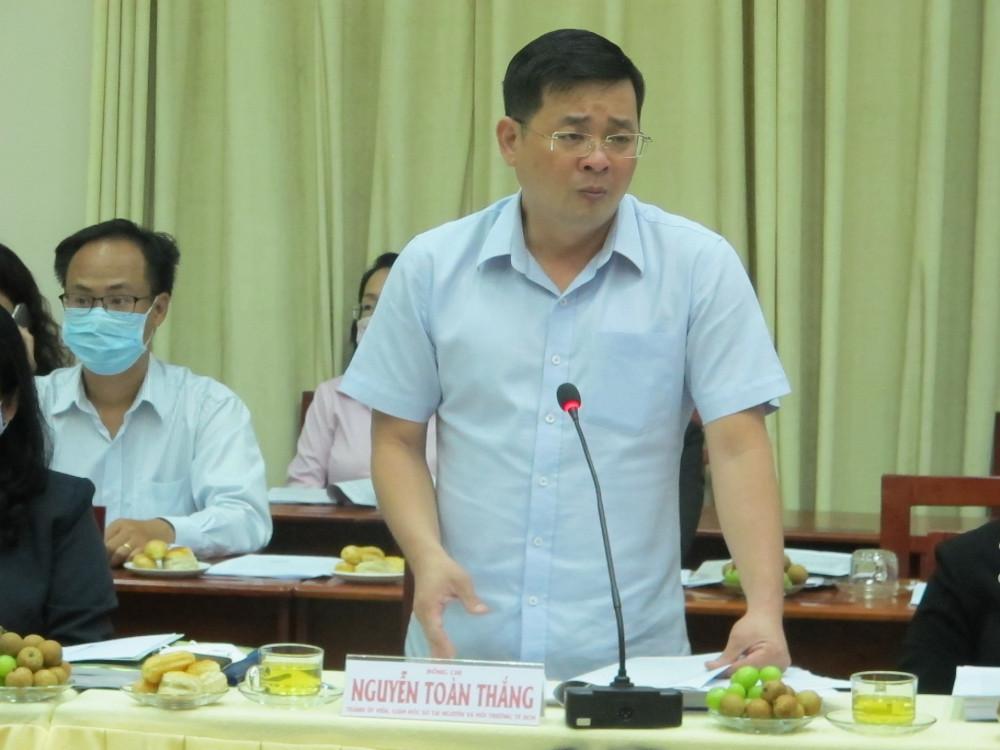 Ông Nguyễn Toàn Thắng - Giám đốc Sở Tài nguyên và Môi trường TPHCM phát biểu tại cuộc giám sát sáng 12/3