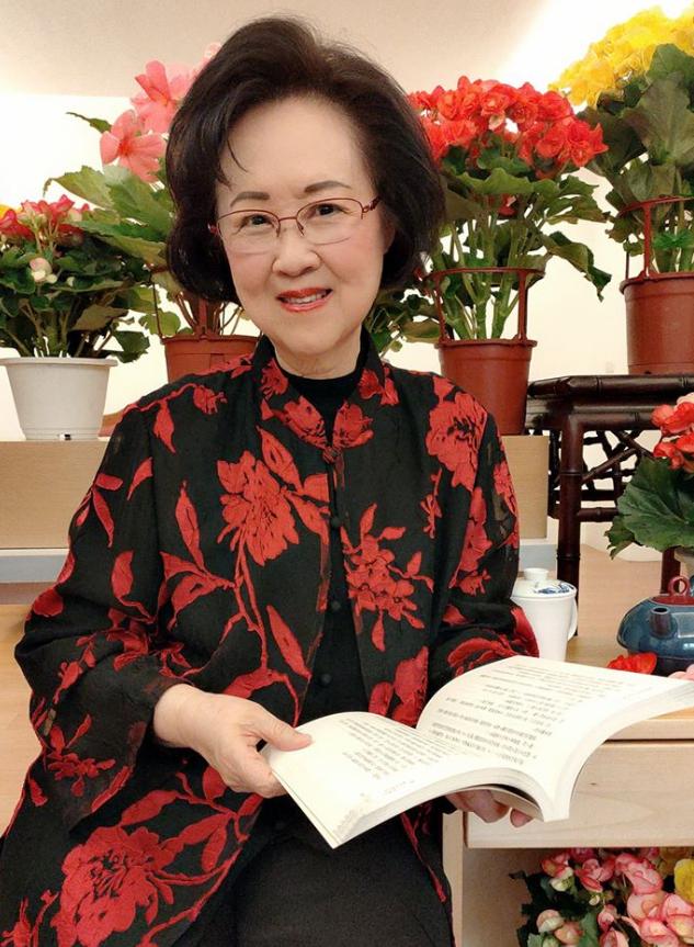 Nhà văn, nhà biên kịch, NSX Quỳnh Dao