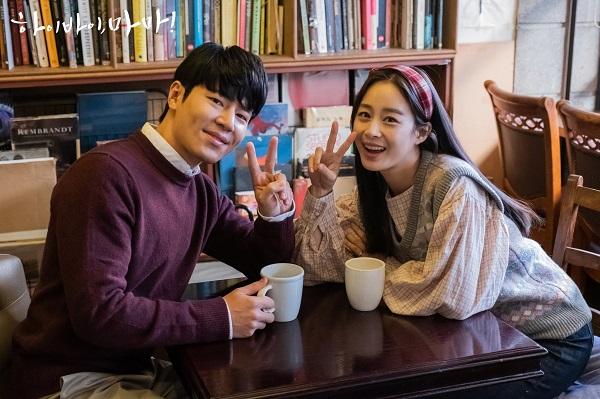 Trên phim hay hậu trường, Kim Tae Hee đều gây ấn tượng sâu sắc.