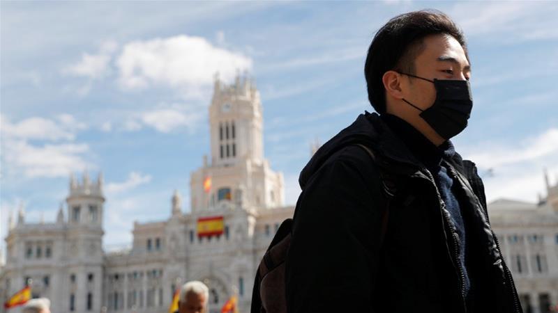 Tây Ban Nha chuẩn bị công bố tình trạng khẩn cấp quốc gia khi số ca nhiễm COVID-19 tăng thêm 1.200 trường hợp chỉ trong 24 giờ.