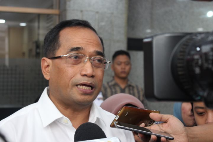 Bộ trưởng giao thông là thành viên chính ph3u đầu tiên tại Indonesia dương tính với virus SARS-CoV-2.