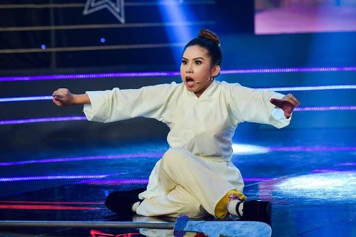 Hàng loạt show bị huỷ, nghệ sĩ cải lương Bình Tinh chuyển sang kinh doanh online