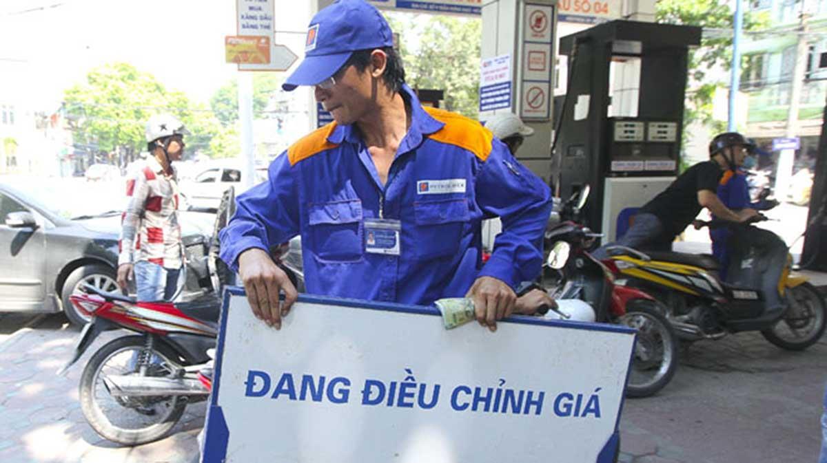 Giá xăng chính thức giảm vào kỳ điều chỉnh ngày mai 16/3, theo xu hướng giá xăng dầu thế giới.