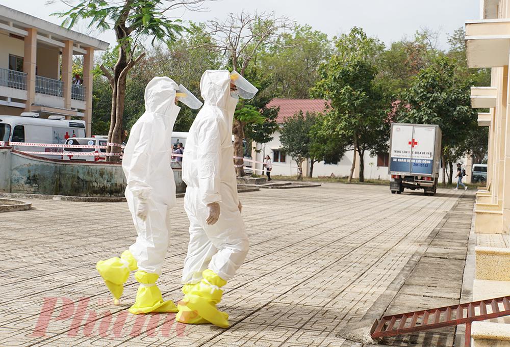 Bệnh viện Dã chiến huyện Củ Chị TPHCM thực hiện công tác cách ly bệnh nhân.