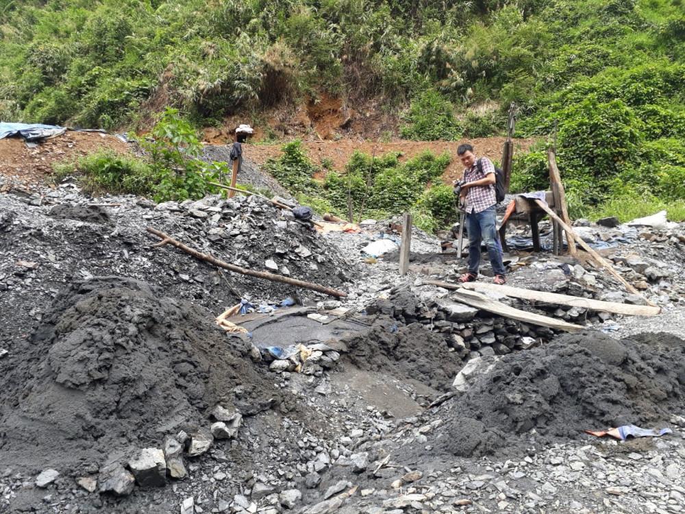 Một bãi vàng trái phép tại Nam Giang
