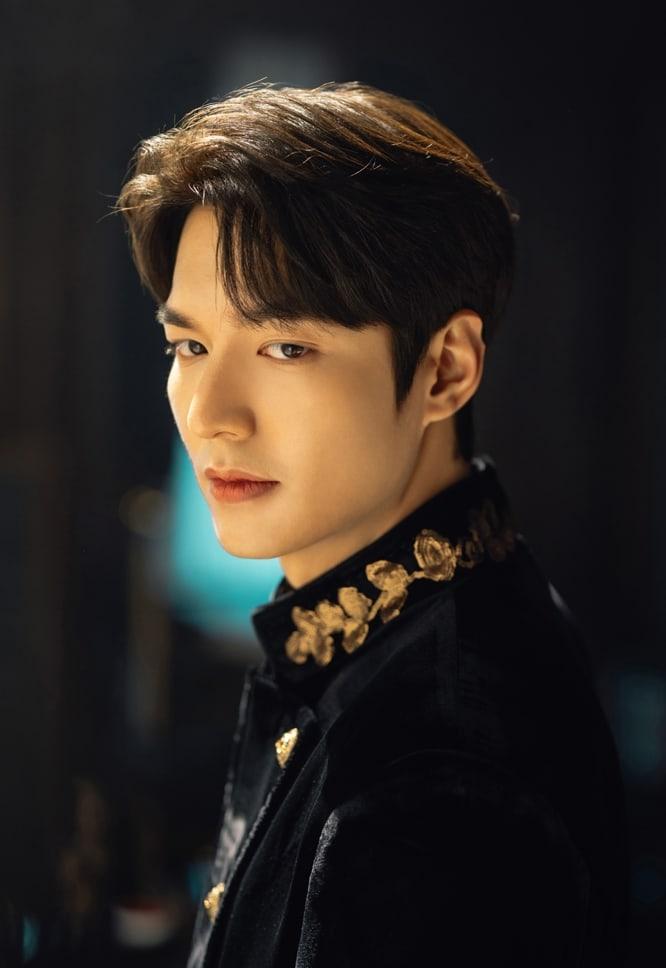 Cận cảnh gương mặt điển trai của Lee Min Ho trong dự án sắp ra mắt.