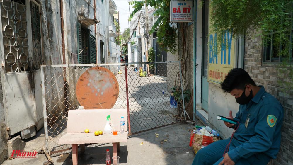Cach ly 1 phần hẻm 248 Phạm Ngũ Lão, phường 7, quận Gò Vấp