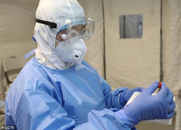 Bà Chen Wei cho biết Trung Quốc cũng đã tiến hành các cuộc thử nghiệm vắc-xin đầu tiên.