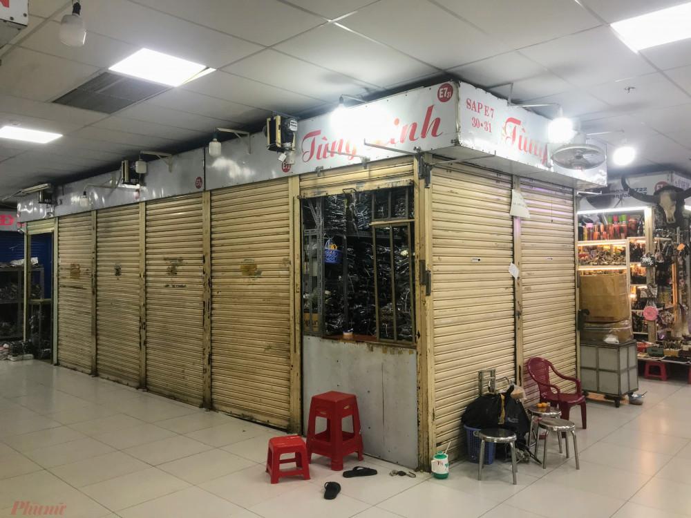 Sau đó hàng loạt các chợ tại quận 1 như Bến Thành, Tân Đinh, Nguyễn Thái Bình tiểu thương cũng gửi đơn xin giảm thuế lên Chi Cục thuế quận 1, TPHCM, cũng với lý do tình hình kinh doanh ế ẩm do dịch bệnh.
